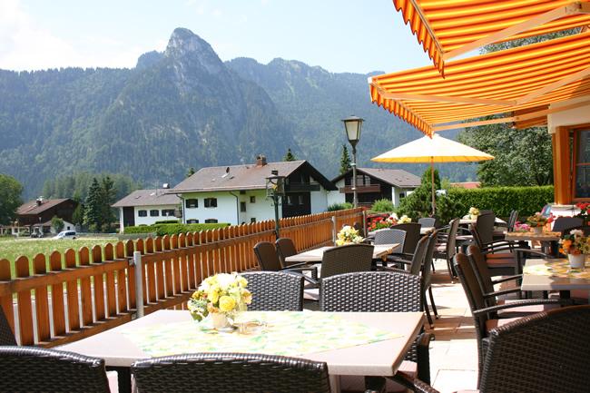 hotel arnika oberammergau in bayern restaurant arnika st ber 39 l. Black Bedroom Furniture Sets. Home Design Ideas